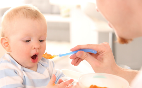 5 Tips for Mealtime in the Highchair Header